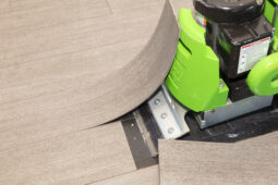 Close up van vloer verwijderen met machine